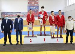 Республиканский турнир «Сильный Алтай» по самбо и дзюдо прошел в регионе